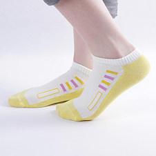 Cotton socks knitting