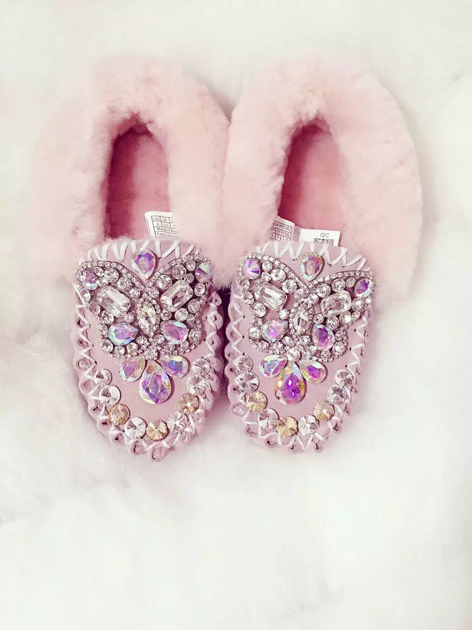 Free shipping 2017 winter autumn and winter furlide fur snow boots small black shoes pink leather butterfly gemstones buns thickening.