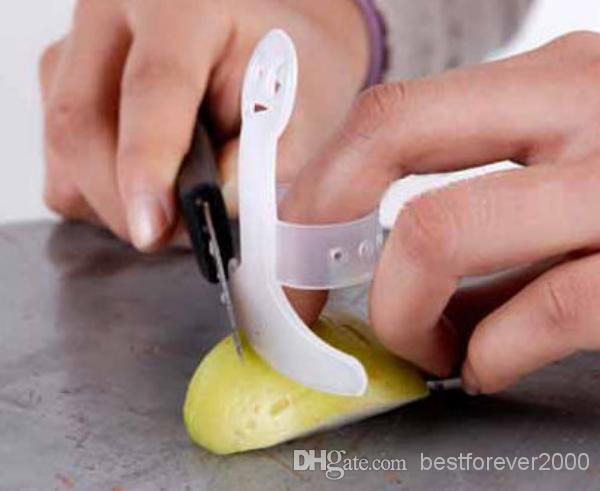 Fashion Kitchen Finger Protector Smile Face Pattern Cutting Finger Guard Kitchen Tools Brand New ZWO*20