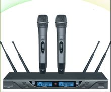 true diversity wireless handheld microphone system for performance