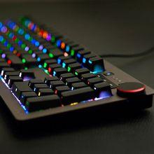 Blue axis black shaft mechanical keyboard RGB side cut 104 key cable cherry game keyboard