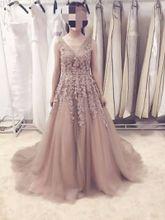 V Neck Wedding Dresses Lace Appliqued Beaded Wedding Dresses Bridal Gowns 2017 Elegant Tulle Backless Vestido De Noiva Real Customized
