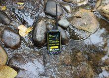 Global talking wifi radio insert the SIM walkie talkie 3G phone