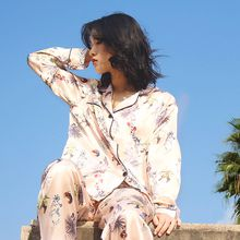 Ladies' new silk pajamas with long sleeves and long sleeves for the comfortable and sweet home clothes