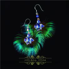 Creative shape peacock feathers earrings, delicate and exquisite