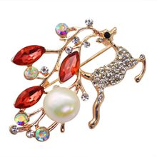 Fashion alloy pearl jewelry sika deer brooch with diamonds and zircon freshwater pearl brooch