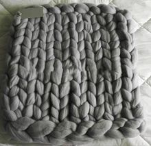 21-23 micron 100% Australian super giant chunky merino wool yarn for hand knit using