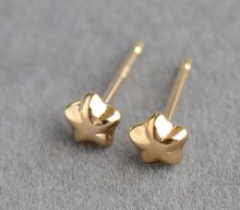 Women Earrings Ear studs 10K Yellow Gold Exquisite Classical pentagram Ear Studs Ladies Grace Fashion five-point stars