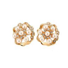 fashion Korean Gold Plated Crystal and pearl Stud Earrings Bijoux Women Earrings Flower Fashion Jewelry Women Accessories