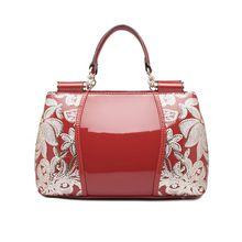 china yiwu factory hotsale in eurpo fast delivery free shipping long strip handbag for women fashion girl